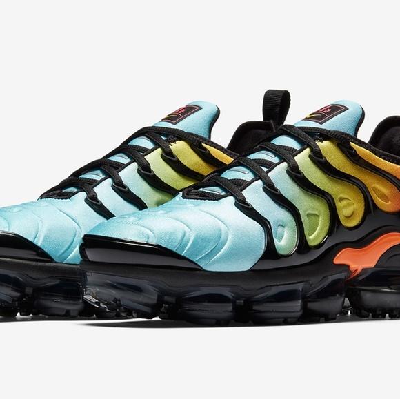 online store 76a34 809e5 Mens Nike Vapormax Plus Tropical Sunset Gradient